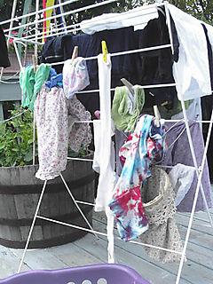 Clothes-pin-helper